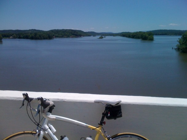 crossing the Hiwassee River (Bradley County to Meigs County)